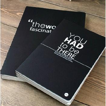 韩国本子控简约牛皮纸创意黑白笔记本子作业本软抄本1458