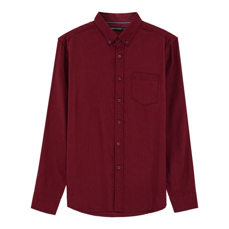 深红色衬衫搭配
